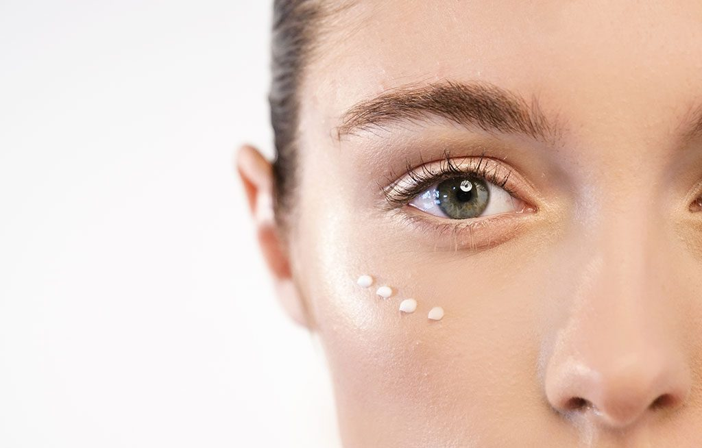 How To Prevent Eye Wrinkles With Eye Cream